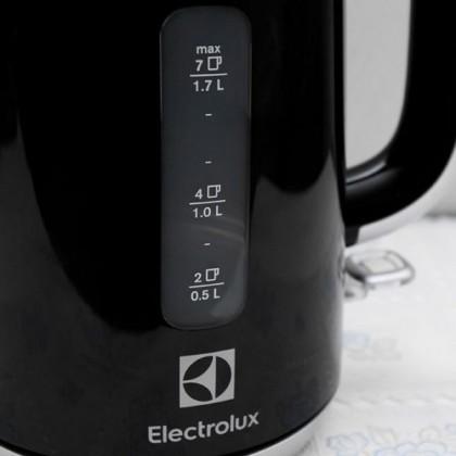 ELECTROLUX 1.7L EASYSENSE ELECTRIC KETTLE EEK3505